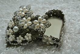 Filigree Jewelry Box with Matching Jewelry